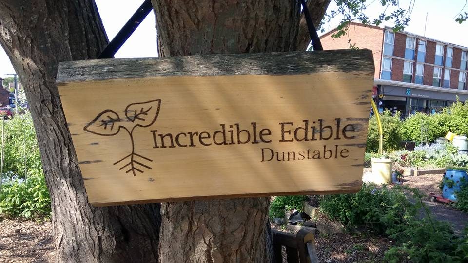 Incredible Edible Dunstable sign