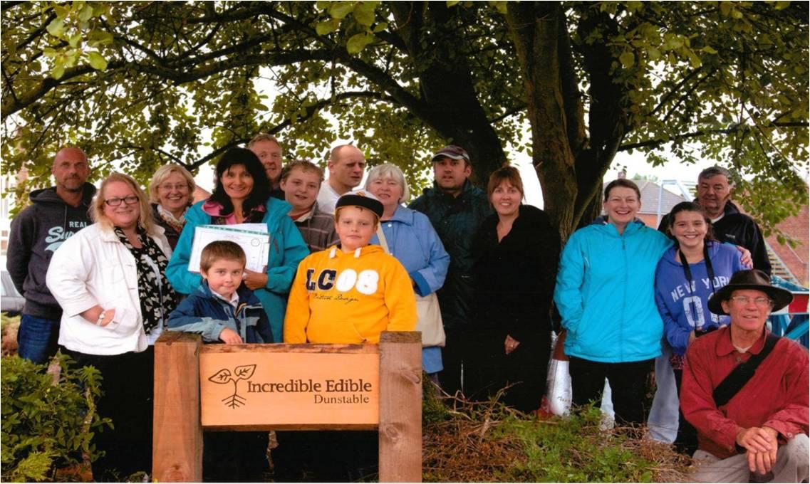 Incredible Edible Dunstable team